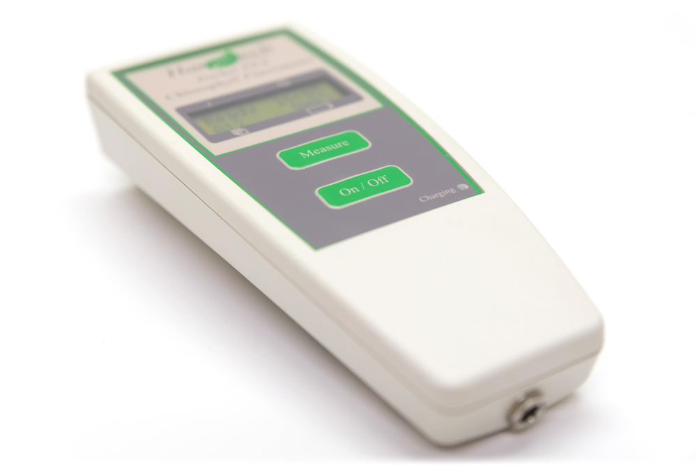 Pocket PEA Continuous Excitation Chlorophyl Fluorimeter | Hansatech Instruments | Oxygen electrode and chlorophyll fluorescence measurement systems for cellular respiration and photosynthesis research